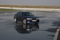 Click for photos of Neals ALPINA B3